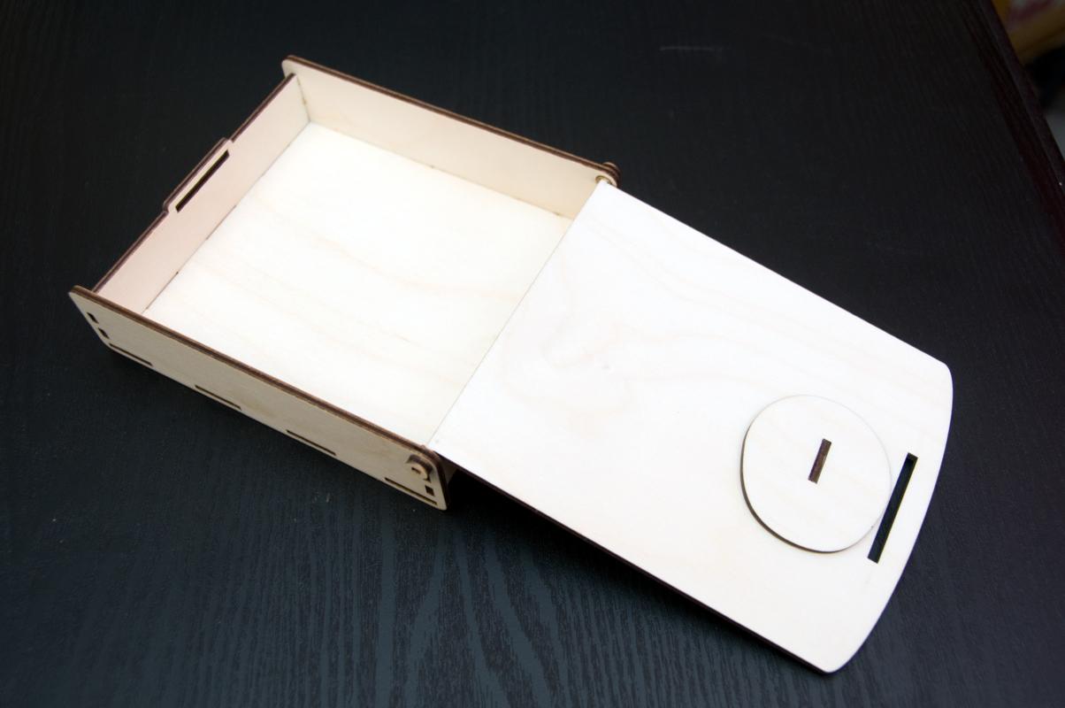 подарочная деревянная коробка с замком