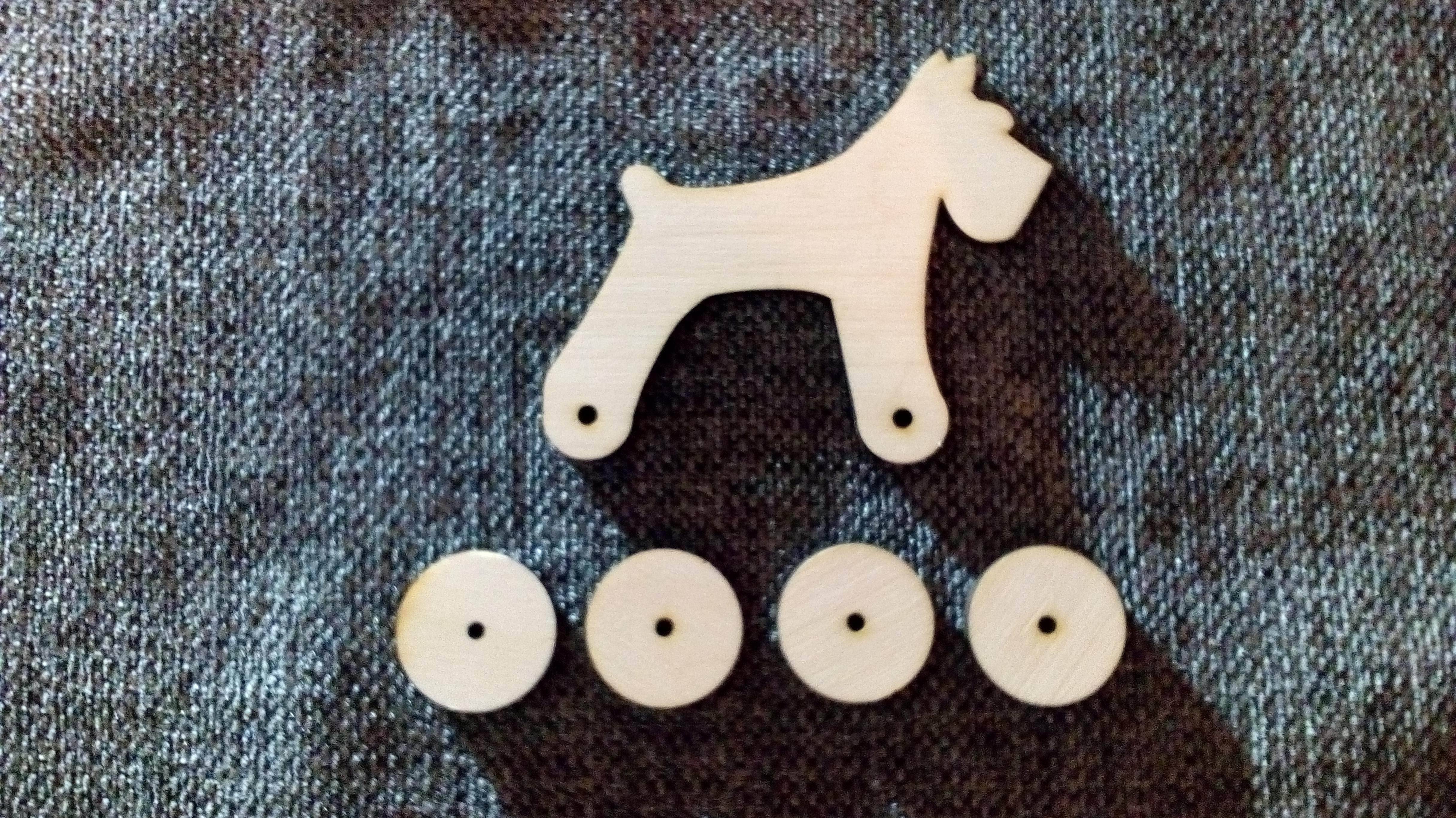 Собака деревянная - тёплый душевный подарок