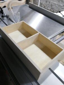 Выдвижной ящик из фанеры