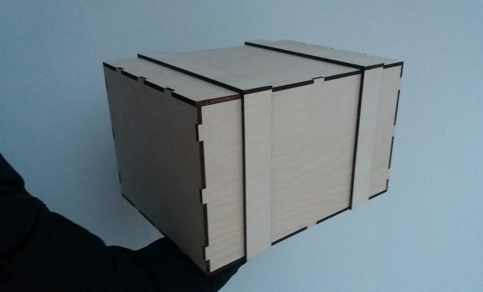Подарочная коробка для новогодних подарков вип персон юридической фирмы парадигма Москва