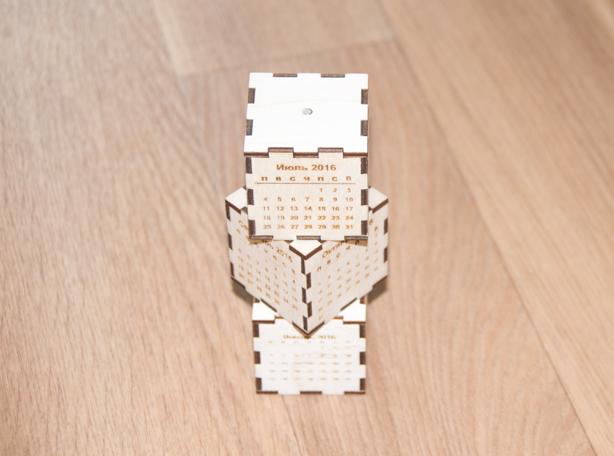Кубик календарь с магнитным держателем